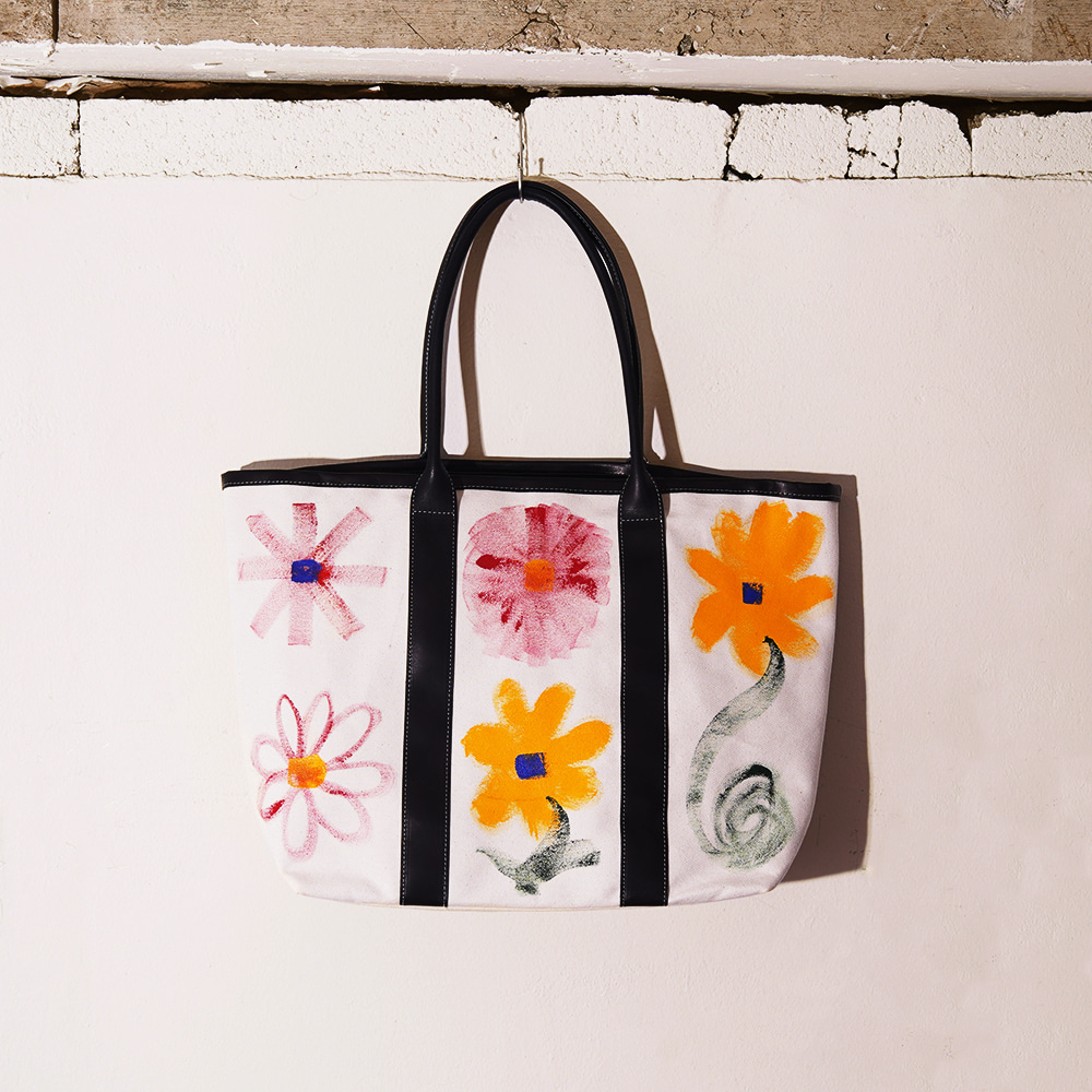 "THE MUSEUM VISITOR Flower Love Canvas Bag ""Multi"""