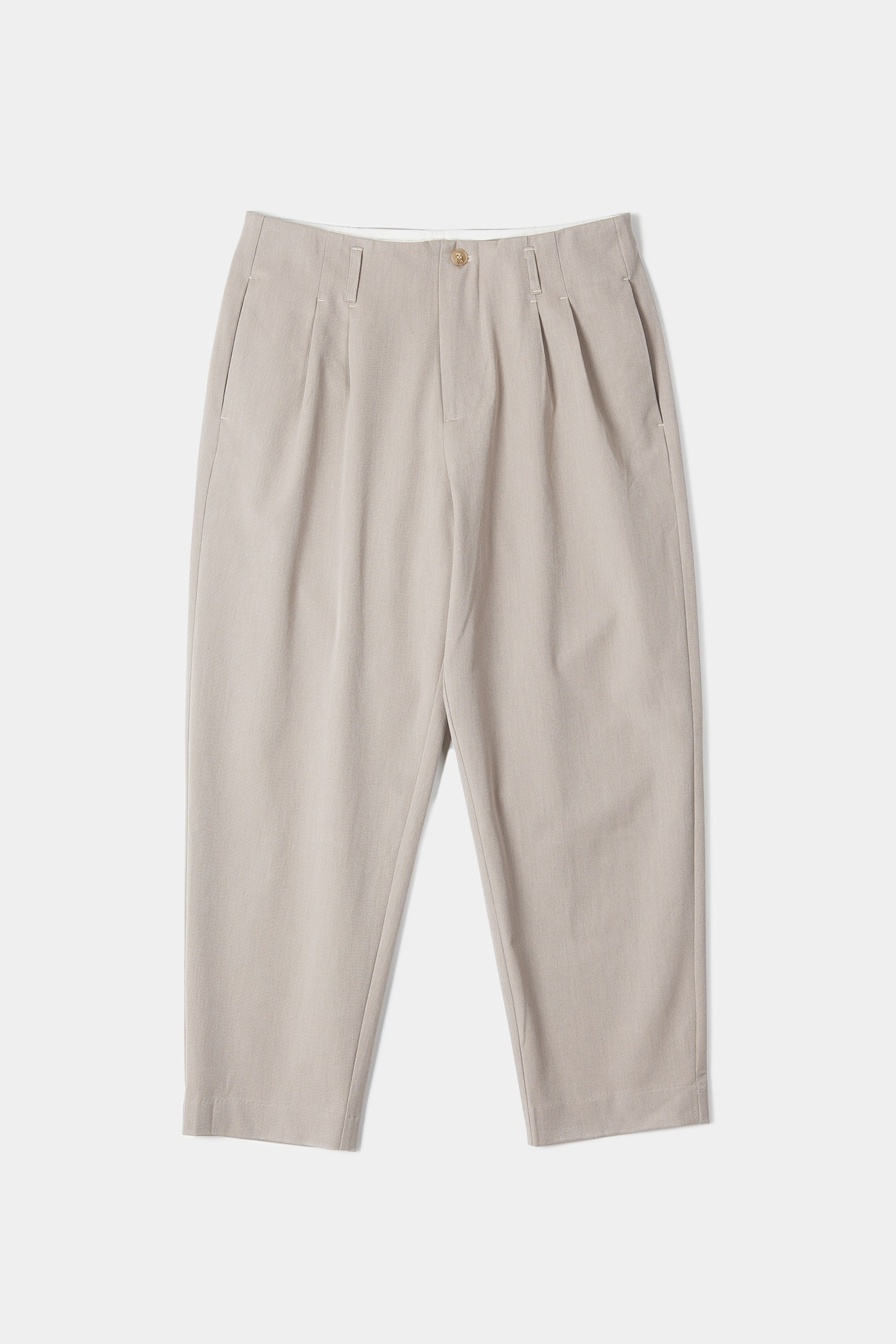 "OOPARTS Carrot-fit cropped pants ""Latte"""