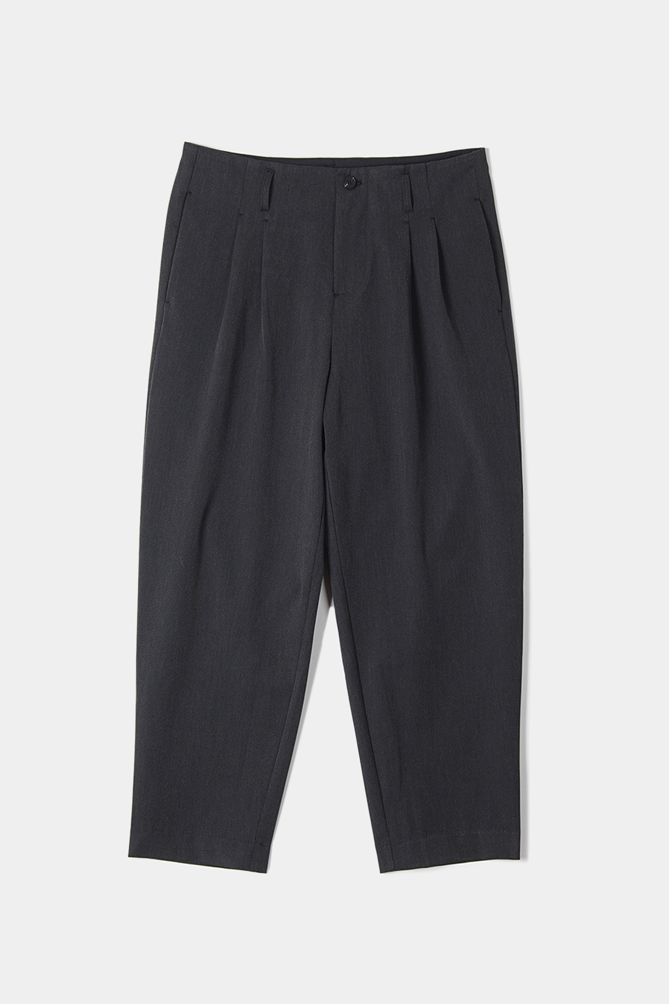 "OOPARTS Carrot-fit cropped pants ""Dark grey"""