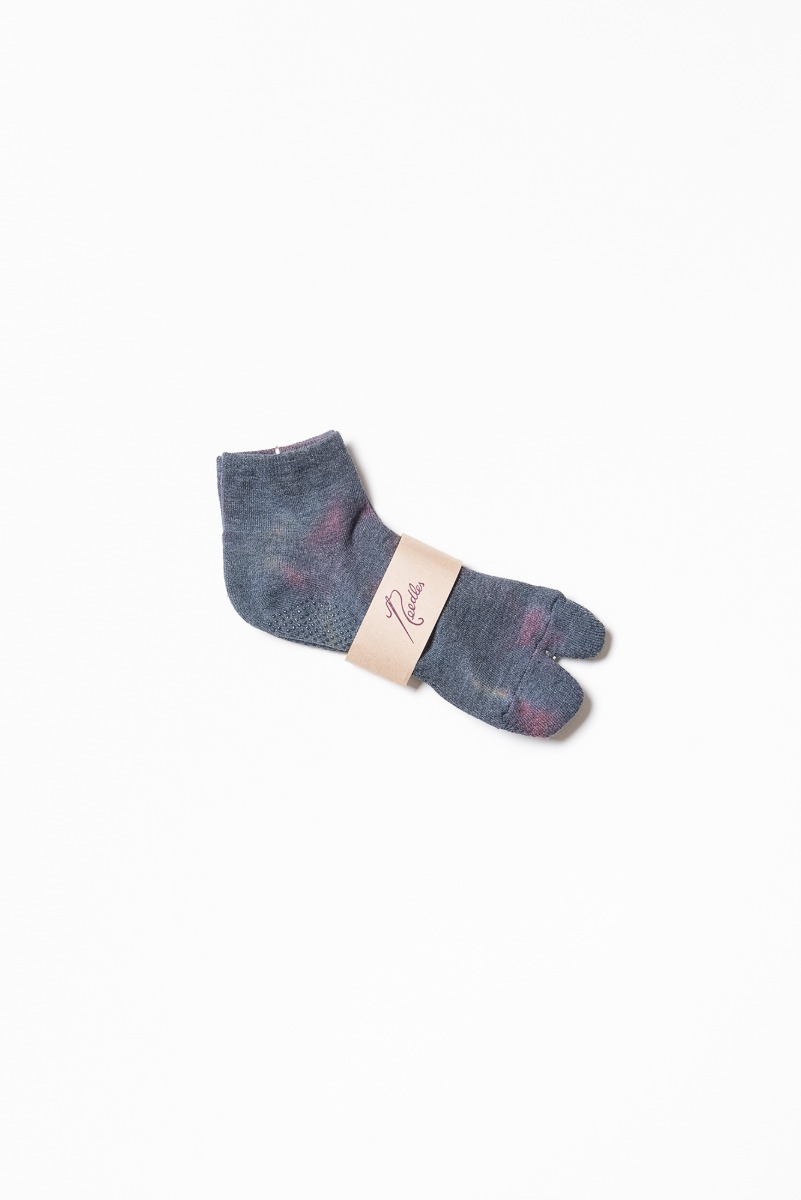 "Needles Thumb Ankle Socks Cool Max / Uneven Dye ""Charcoal"""