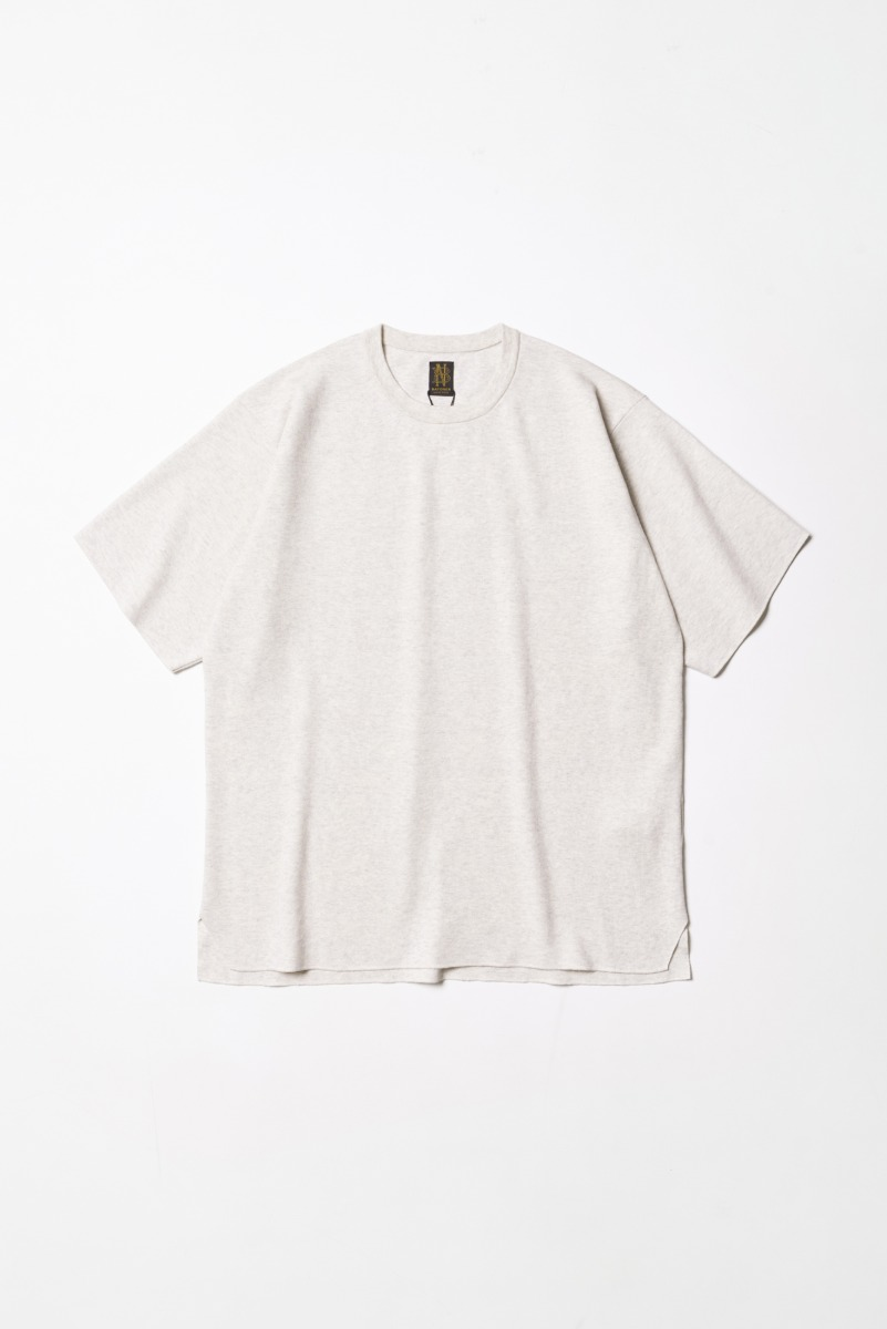"BATONER 32G Smooth Knit T-Shirt ""Beige"""