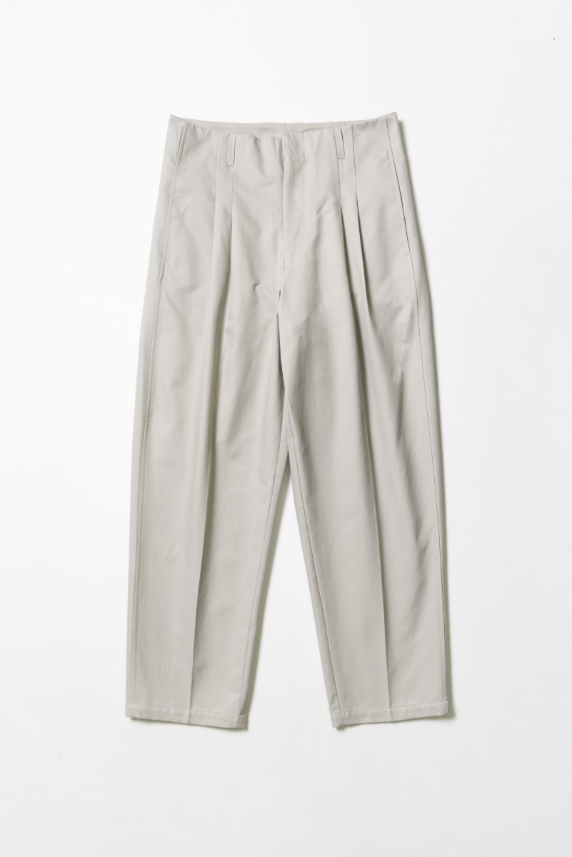"OOPARTS Carrot-fit Cropped Pants ""Cement"""