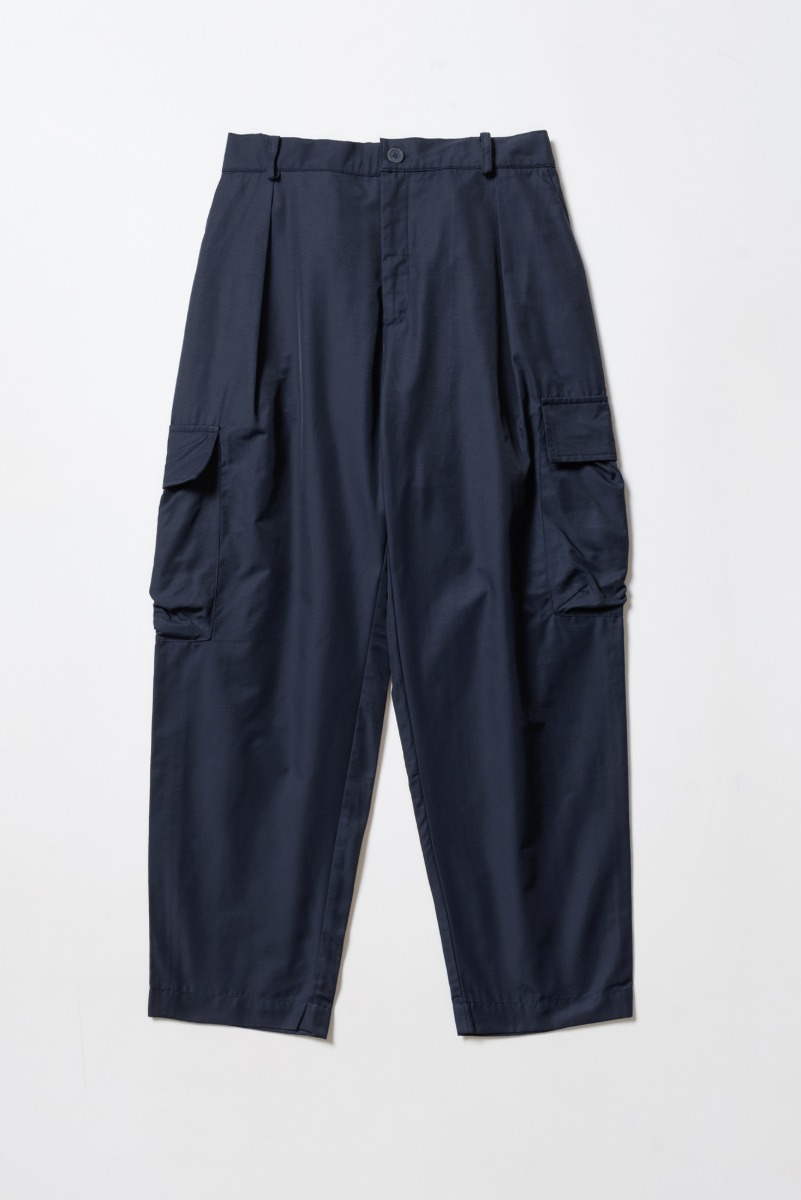 "DAVID CATALAN Nylon Classic Safari Pleated Trousers ""Marine"""
